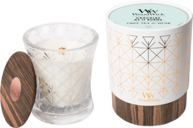 WoodWick® HearthWick® Aura Grey Tea & Musk Medium Candle